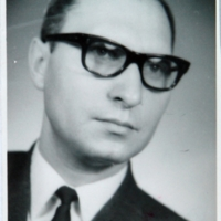 http://digit.bibl.u-szeged.hu/00400/00499/omeka/portre/valaczkai_laszlo_1.JPG