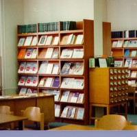 Az Egyetemi Könyvtár folyóiratolvasója a Dugonics téri épületben