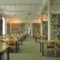 Az Egyetemi Könyvtár nagyolvasója a Dugonics téri épület első emeletén