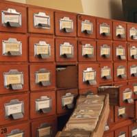Az Egyetemi Könyvtár katalógusfiókjai a Dugonics téri épület első emeletén
