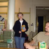 Költözik a könyvtár : a Dugonics téri épület nagyolvasójának kiürítése a költözködés előtt