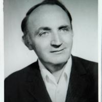 http://digit.bibl.u-szeged.hu/00400/00499/omeka/portre/toth_arpad.JPG