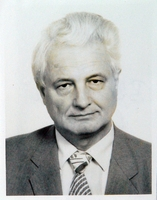 http://digit.bibl.u-szeged.hu/00400/00499/omeka/portre/blazovich_laszlo_2.jpg