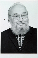 http://digit.bibl.u-szeged.hu/00400/00499/omeka/portre/zsolt_janos_3.JPG
