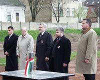 http://digit.bibl.u-szeged.hu/00400/00499/omeka/konyvtar/ek_2002-03-23_alapko_kokas_karoly/egyk_014.jpg